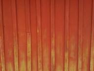 slamfärg röd vägg